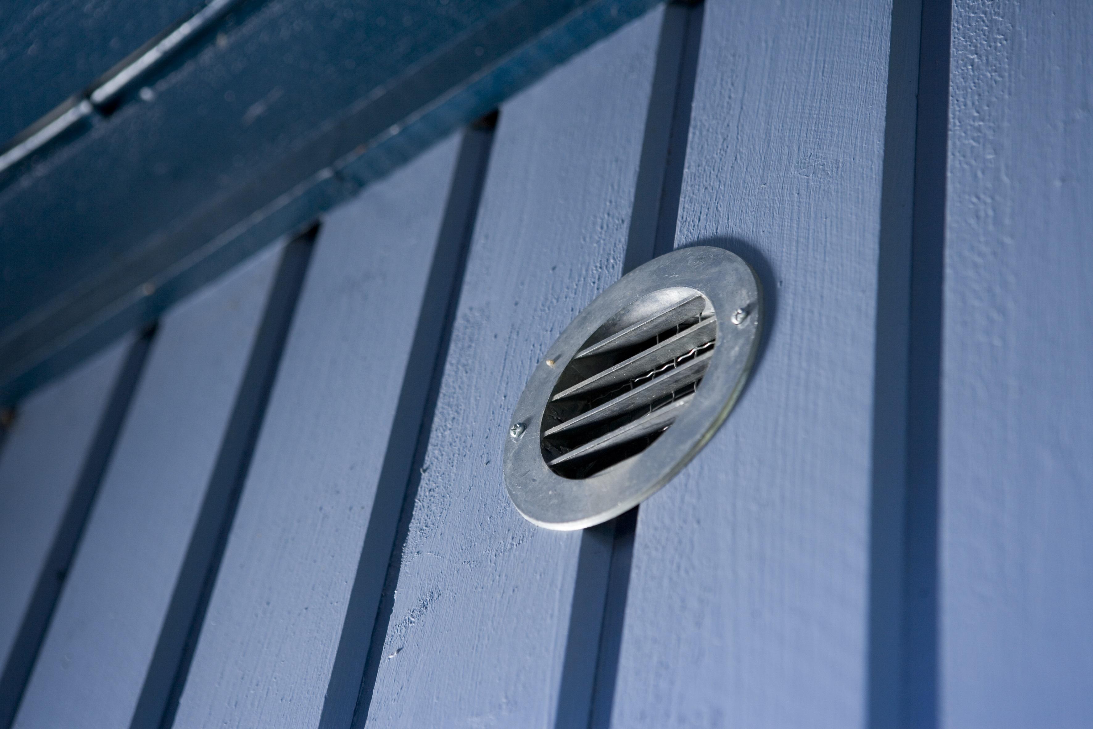 Ventilationsgaller där radongasen släpps ut